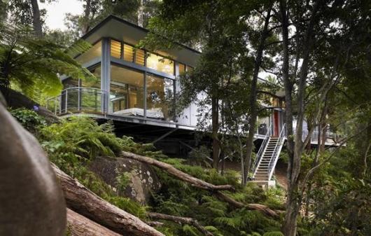 5 Coolest glass houses in the world | Propertyguru