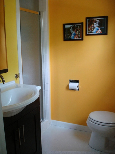 small bathroom ideas help you maximize small cluttered bathroom spaces