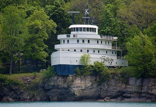 Lake Erie Auto Credit >> Home feature: Ford Ship house | Propertyguru